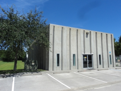 3,148 SF INDUSTRIAL WAREHOUSE FOR RENT w/ Outside Storage - 4413 77th Street