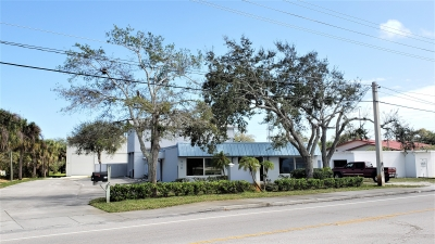 7,250 SF WHSE. BLDG. FOR LEASE - 210 Old Dixie Highway