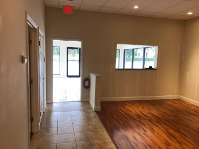 600 - 2,912 SF SHOWROOM/WHSE/OFFICE - 1126 Old Dixie Highway