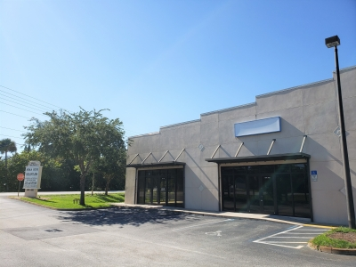 4,200 SF VERO OFFICE / RETAIL / INDUSTRIAL FOR RENT on OLD DIXIE