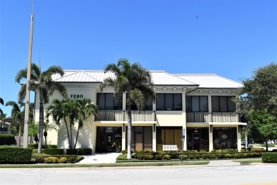 BEACHSIDE OFFICE/RETAIL UNITS - 3341 Cardinal Drive