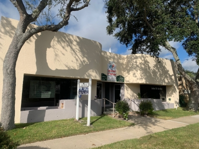 3,848 SF OFFICE BUILDING FOR SALE - 2155 15th Ave.